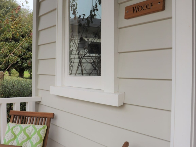 Private entrance to Woolf Room (bedroom 1), Awenydd Cottage B&B, Ohaupo